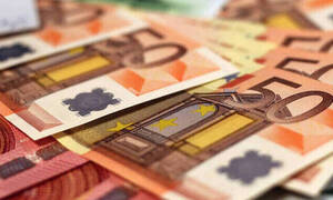 Μπαράζ πληρωμών τις επόμενες ημέρες: Πότε καταβάλλονται συντάξεις και επιδόματα Ιουλίου