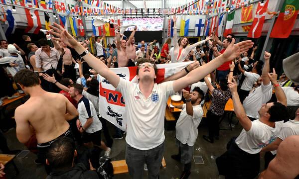 Euro 2020: Χαμός στο Γουέμπλεϊ πριν τον τελικό Ιταλία-Αγγλία - 3.160 ευρώ για δύο εισιτήρια! (video)