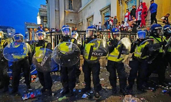 Euro 2020: Τις 86 έφτασαν οι συλλήψεις για τις άγριες συμπλοκές μετά τον τελικό (photos)