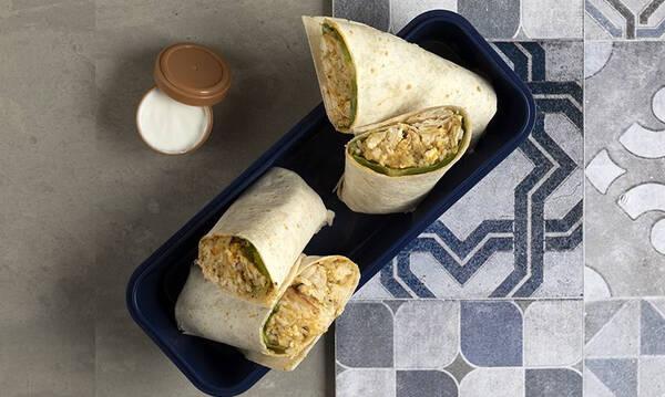 Άκης Πετρετζίκης: Burritos με κοτόπουλο
