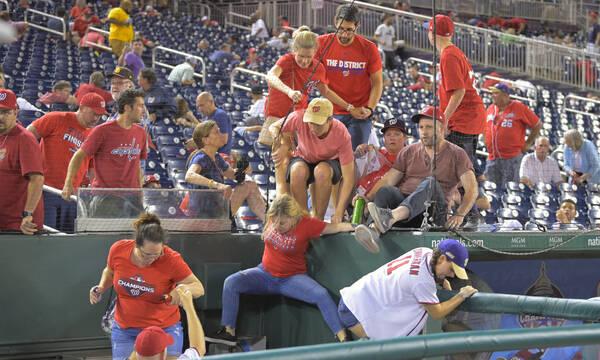 Χάος στις ΗΠΑ: Πυροβολισμοί και τραυματίες σε γήπεδο μπέιζμπολ (photos)