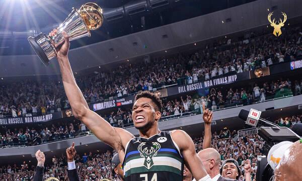 NBA: Το πρώτο μήνυμα Αντετοκούνμπο μετά την κούπα - Την πήρε σπίτι του (photos)