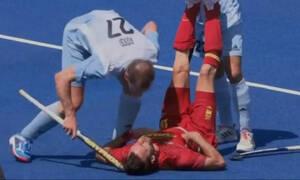 Απίστευτο σκηνικό στους Ολυμπιακούς Αγώνες: Παίκτης χτύπησε αντίπαλο του στο κεφάλι με μπαστούνι