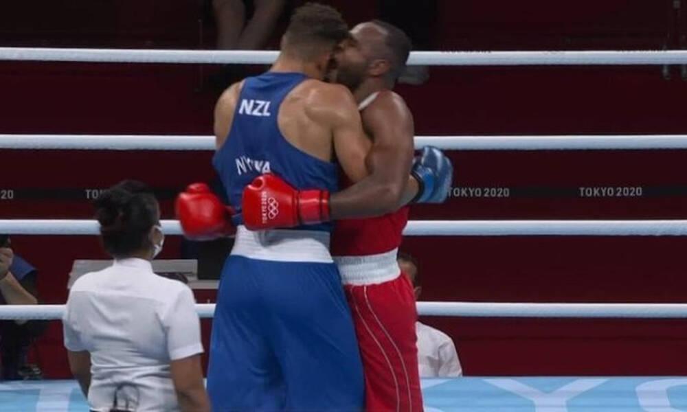 Ολυμπιακοί Αγώνες: Πυγμάχος δάγκωσε τον αντίπαλό του στο πρόσωπο (video)