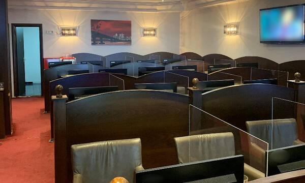Έφοδος της ΕΛ.ΑΣ. σε παράνομο μίνι καζίνο στη Θεσσαλονίκη