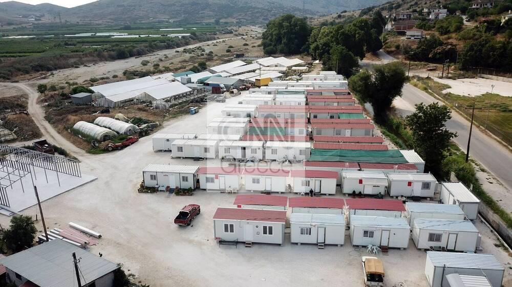 Ελασσόνα και Τύρναβος: Η ζωή μετά το σεισμό - Κοντέινερ, κατεδαφίσεις και απογοήτευση