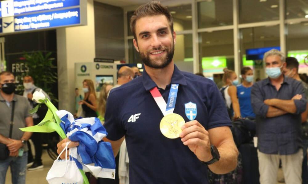 Ολυμπιακοί Αγώνες: Αποθέωση για τον «χρυσό» Ολυμπιονίκη Στέφανο Ντούσκο (photos+video)