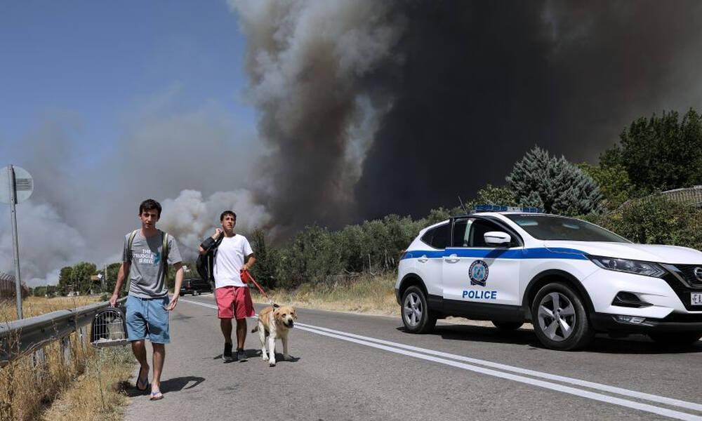 Φωτιά ΤΩΡΑ: Νέο μήνυμα έκτακτης ανάγκης από το 112 - Εκκενώστε τώρα Βαρυμπόμπη και Αδάμες