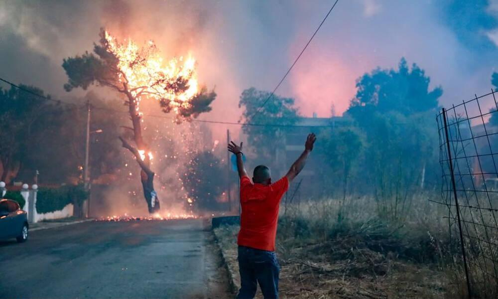 Φωτιά Βαρυμπόμπη: Σε απόγνωση οι κάτοικοι – «Μας άφησαν μόνους», καταγγέλλουν