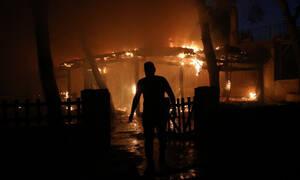 Νύχτα αγωνίας στη Βαρυμπόμπη: Κάηκαν σπίτια, κινδύνευσαν άνθρωποι