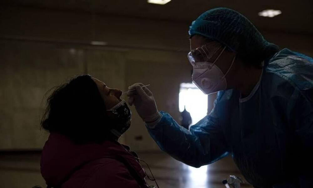 Κρούσματα σήμερα: 2.800 νέα ανακοίνωσε ο ΕΟΔΥ - 12 θάνατοι σε 24 ώρες, 192 οι διασωληνωμένοι
