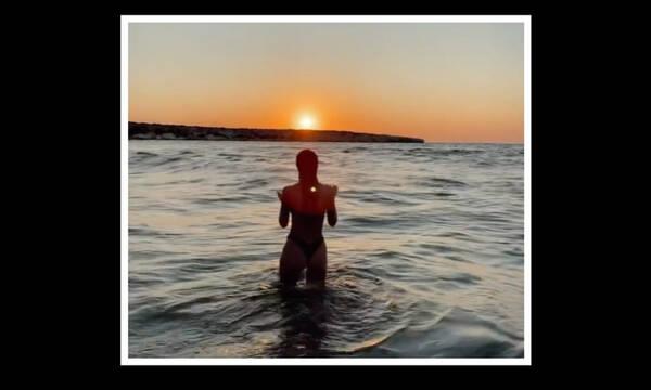 GNTM: Πρώην παίκτρια και μανούλα αναστάτωσε το Instagram με το σέξι βίντεό της στη θάλασσα