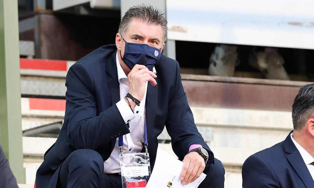 Έξαλλος ο Ζαγοράκης με την αναβολή της Super League: «Έτσι δεν πάμε πουθενά»