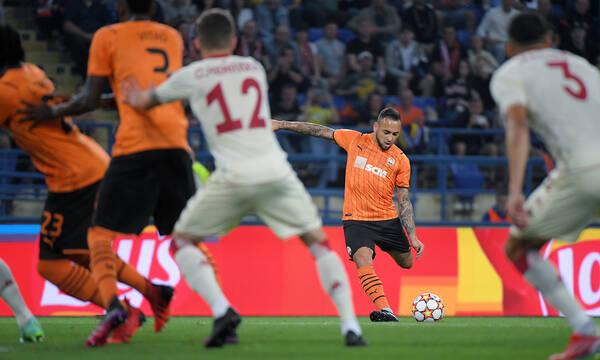 Champions League: Με ΜΥΘΙΚΟ αυτογκόλ στους ομίλους η Σαχτάρ Ντόνετσκ (videos)