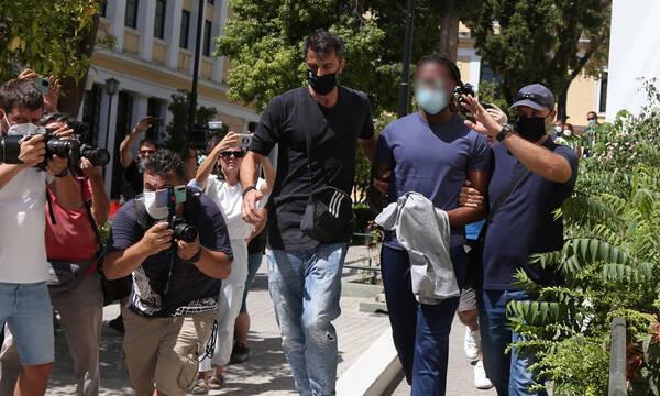 Αρνείται τις κατηγορίες ο Σεμέδο - Η δήλωση του δικηγόρου του (photos)