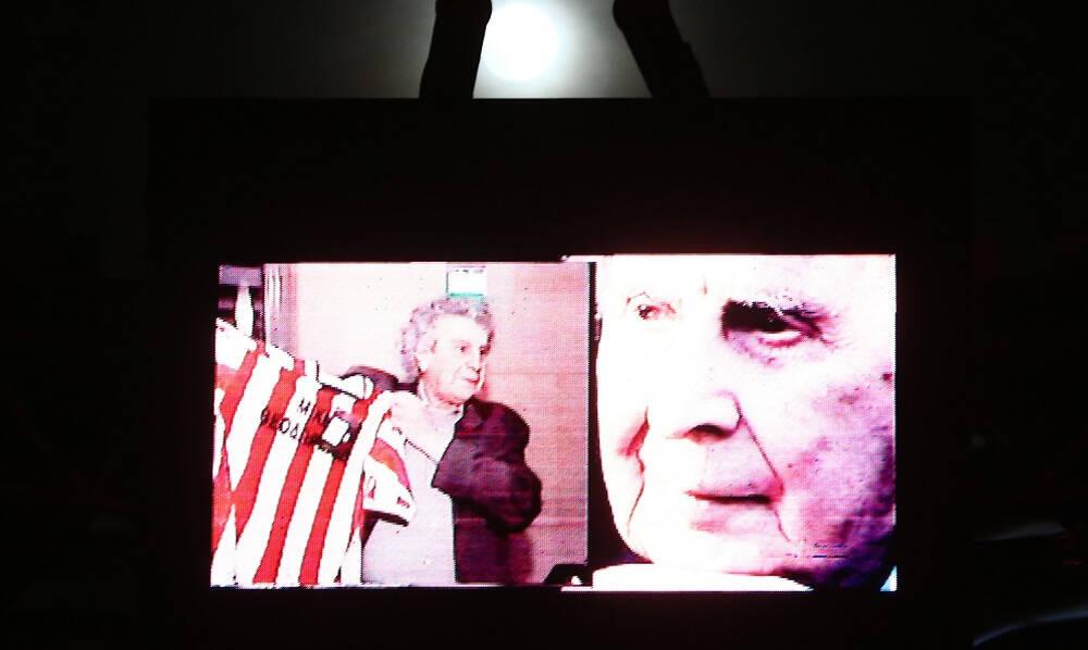Μίκης Θεοδωράκης: Η αγάπη για το ποδόσφαιρο και η λατρεία για τον Ολυμπιακό (photos)