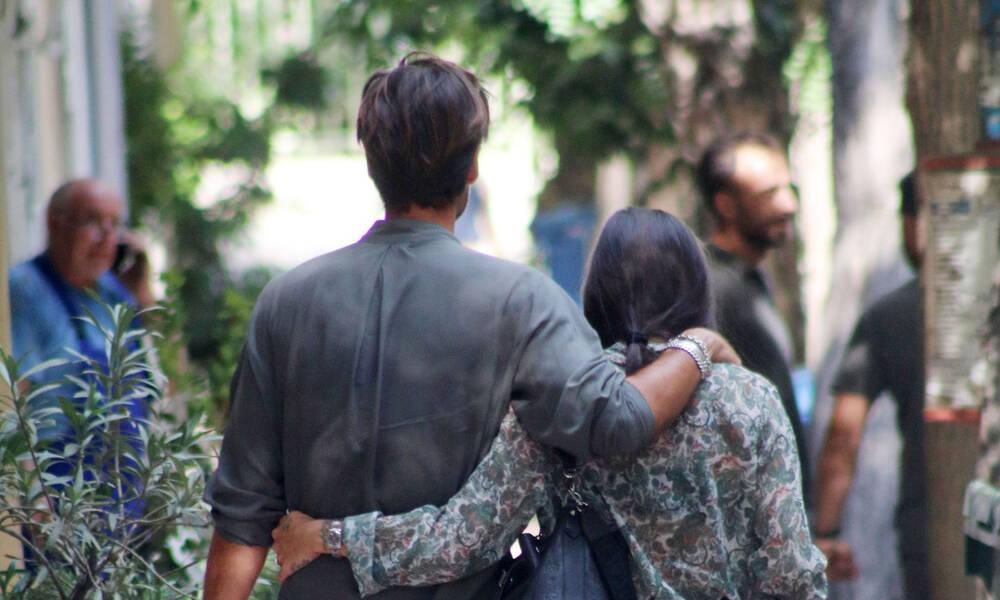 Το πιο ερωτικό ζευγάρι της Ελληνικής showbiz είναι αυτό! Οι απίθανες ενδυματολογικές επιλογές τους