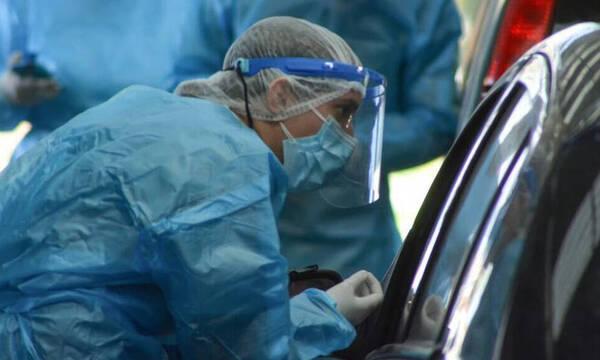 Κρούσματα σήμερα: 1.305 νέα ανακοίνωσε ο ΕΟΔΥ - 33 θάνατοι σε 24 ώρες, στους 348 οι διασωληνωμένοι