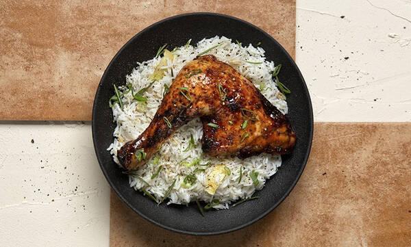 Άκης Πετρετζίκης: Κοτόπουλο μπούτι με μέλι και σόγια