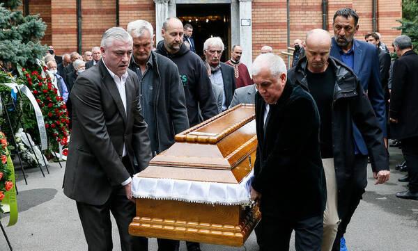 Ντούσαν Ίβκοβιτς: Το «ύστατο χαίρε» - Ομπράντοβιτς, Ιτούδης και Σπανούλης στην κηδεία (pics+vids)