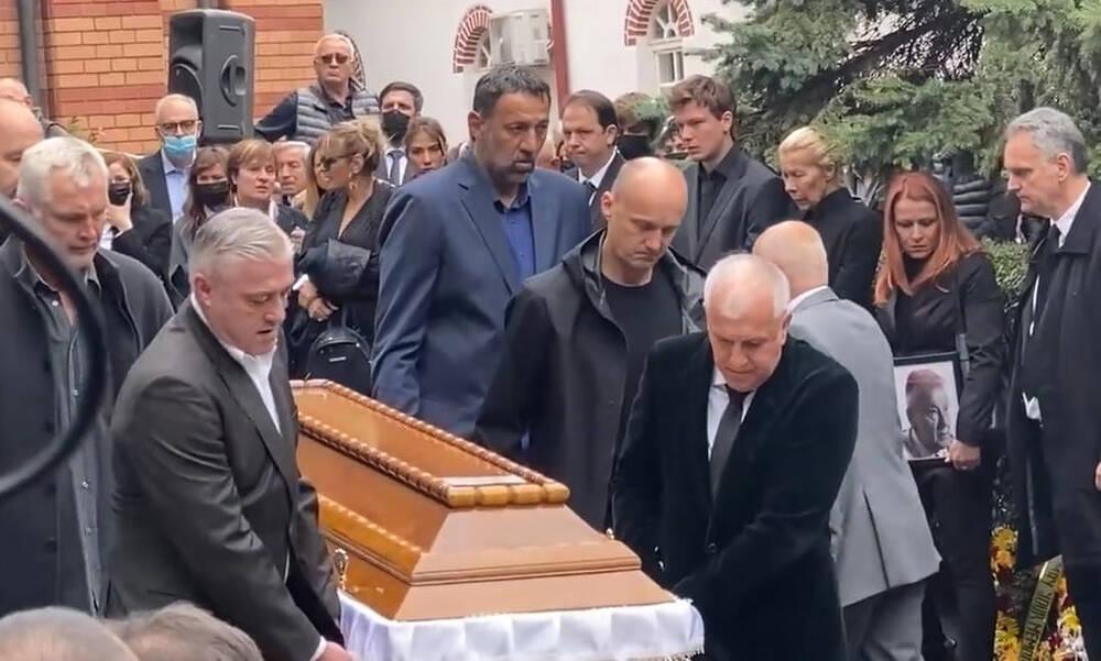 Κηδεία Ντούσαν Ίβκοβιτς: Λύγισε ο Ομπράντοβιτς