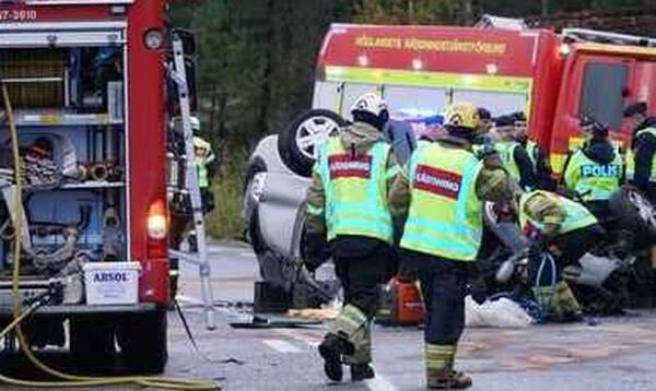Θρήνος στη Σουηδία: Σκοτώθηκαν τρεις οπαδοί της ΑΪΚ… (Photos)