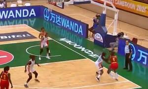 Απίθανο καλάθι στο AfroBasket Women και νίκη για τη Μοζαμβίκη (video)