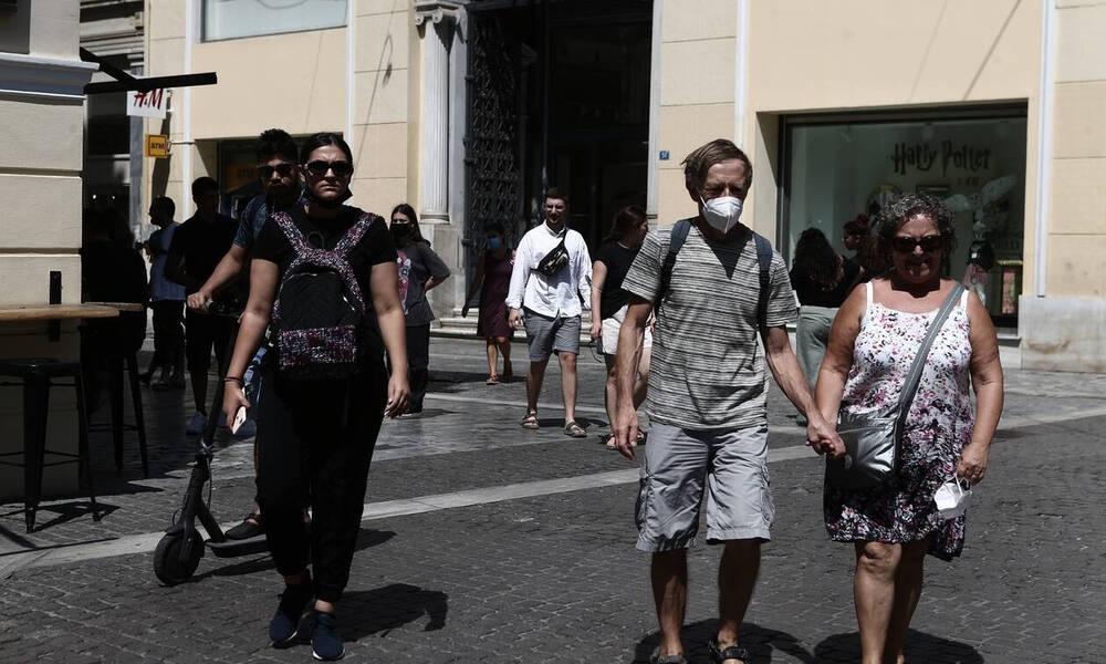 Κορονοϊός: Τέταρτο κύμα τον Οκτώβριο με 3.500 κρούσματα - «Κοκκίνισαν» οι περιοχές των ανεμβολίαστων