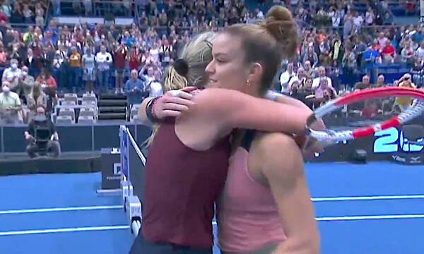 Μαρία Σάκκαρη: «Λύγισε» στον τελικό της Οστράβα από την εκπληκτική Κονταβέιτ (video)