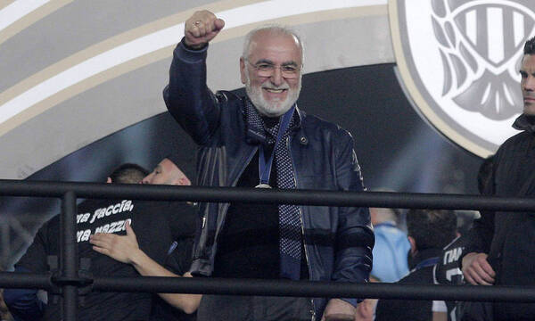 ΠΑΟΚ: Έτσι «έφτιαξε» ο Σαββίδης τους παίκτες πριν την ΑΕΚ – «Να τιμάτε τη φανέλα» (photos)
