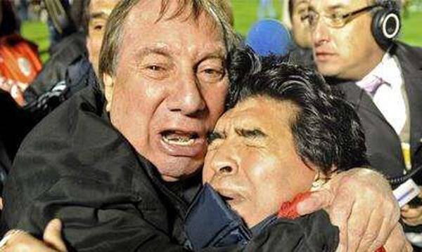 Συγκλονιστικό: Ο Κάρλος Μπιλάρδο ακόμη ψάχνει τον Ντιέγκο Μαραντόνα (Photos)