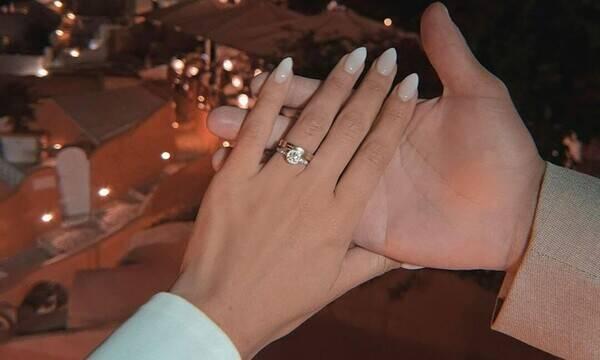 Ποδοσφαιριστής της Super League έκανε ρομαντική πρόταση γάμου στη σύντροφό (vid&pics)