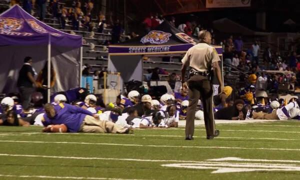 Πανικός σε αγώνα ράγκμπι στην Αλαμπάμα: Πυροβολισμοί με τέσσερις τραυματίες (video)