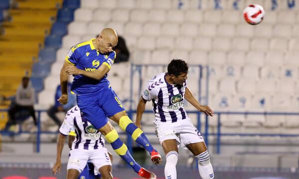 Απόλλων Σμύρνης-Αστέρας Τρίπολης: Ανίκητος στον αέρα ο Μπαράλες και 0-1 (video+photos)