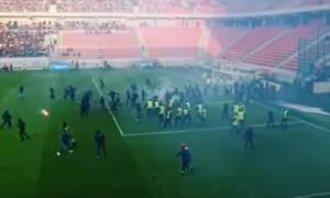 Σπαρτάκ Τρνάβα-Σλόβαν: Επεισόδια και διακοπή στο ντέρμπι - Μπούκαραν οπαδοί στο γήπεδο (video)