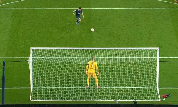 Champions League: Μαγεία Μέσι - Σκόραρε με πέναλτι α λα Πανένκα (video)