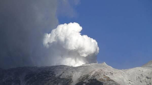 Ιαπωνία: Ηφαιστειακή έκρηξη στο Όρος Άσο- Αυξήθηκε το επίπεδο συναγερμού