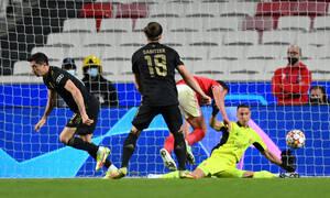 Champions League: Ο Λεβαντόφσκι νίκησε τον Βλαχοδήμο με τη βοήθεια του χεριού του (video)