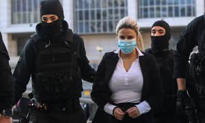 Δίκη για βιτριόλι - Εισαγγελέας: Ένοχη η Έφη Κακαράντζουλα για απόπειρα ανθρωποκτονίας