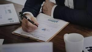 Προς μηνιαία παράταση οδεύει η διαδικασία της υποβολής των φορολογικών πιστοποιητικών